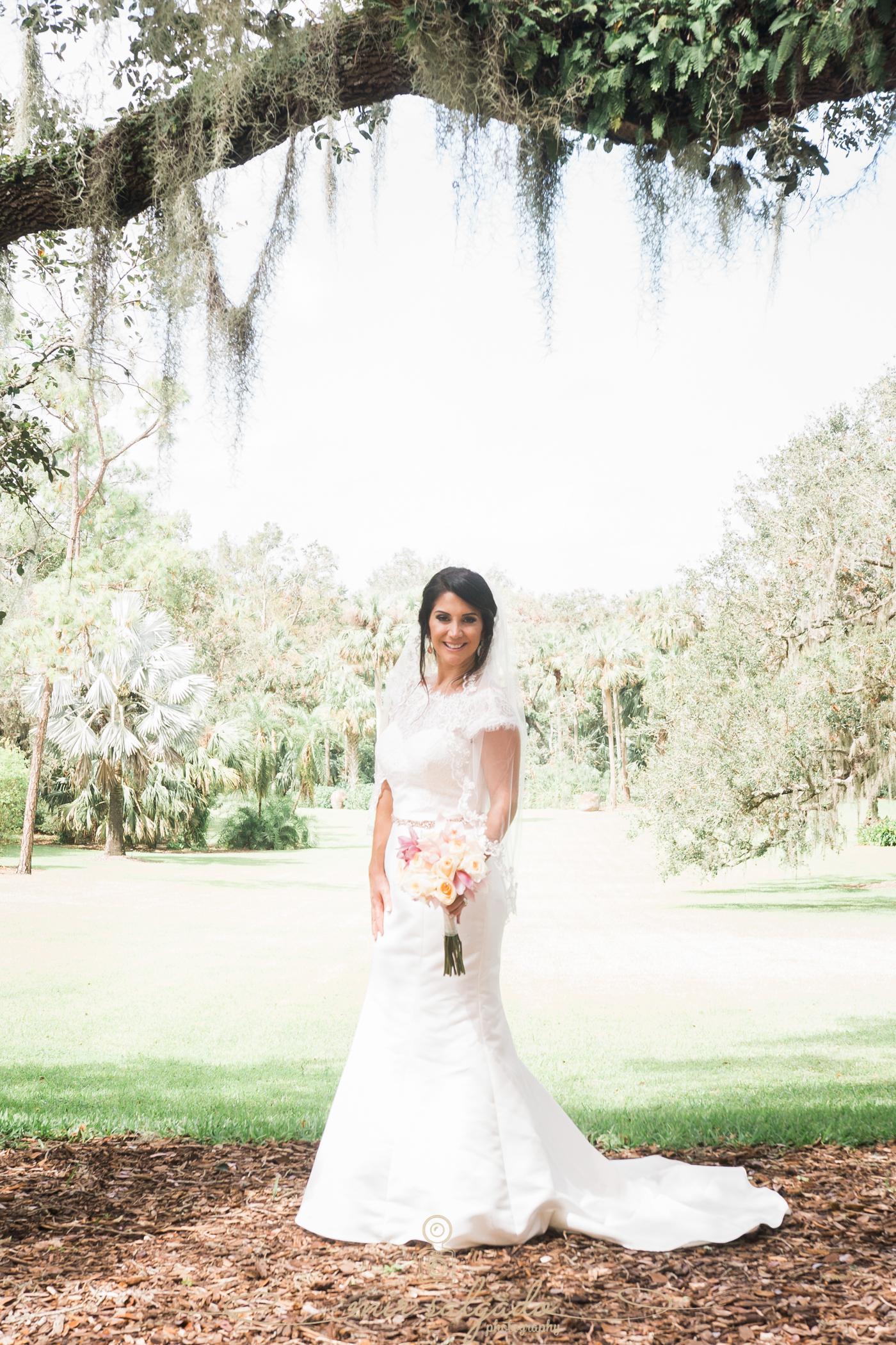 Bok-tower-gardens-wedding-photo, bride-photo, Tampa-wedding-photographer