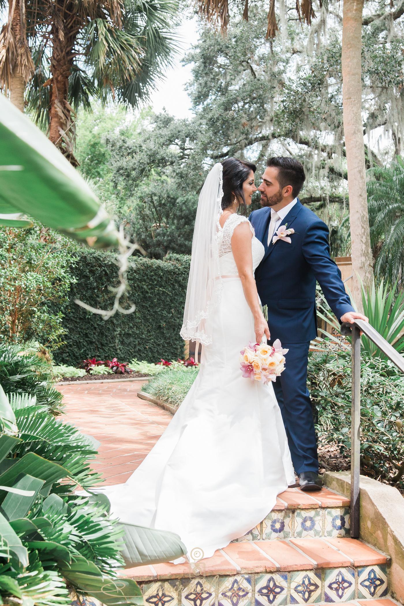 Bok-tower-gardens-wedding-day, garden-wedding-in-Florida, Tampa-wedding-photographer