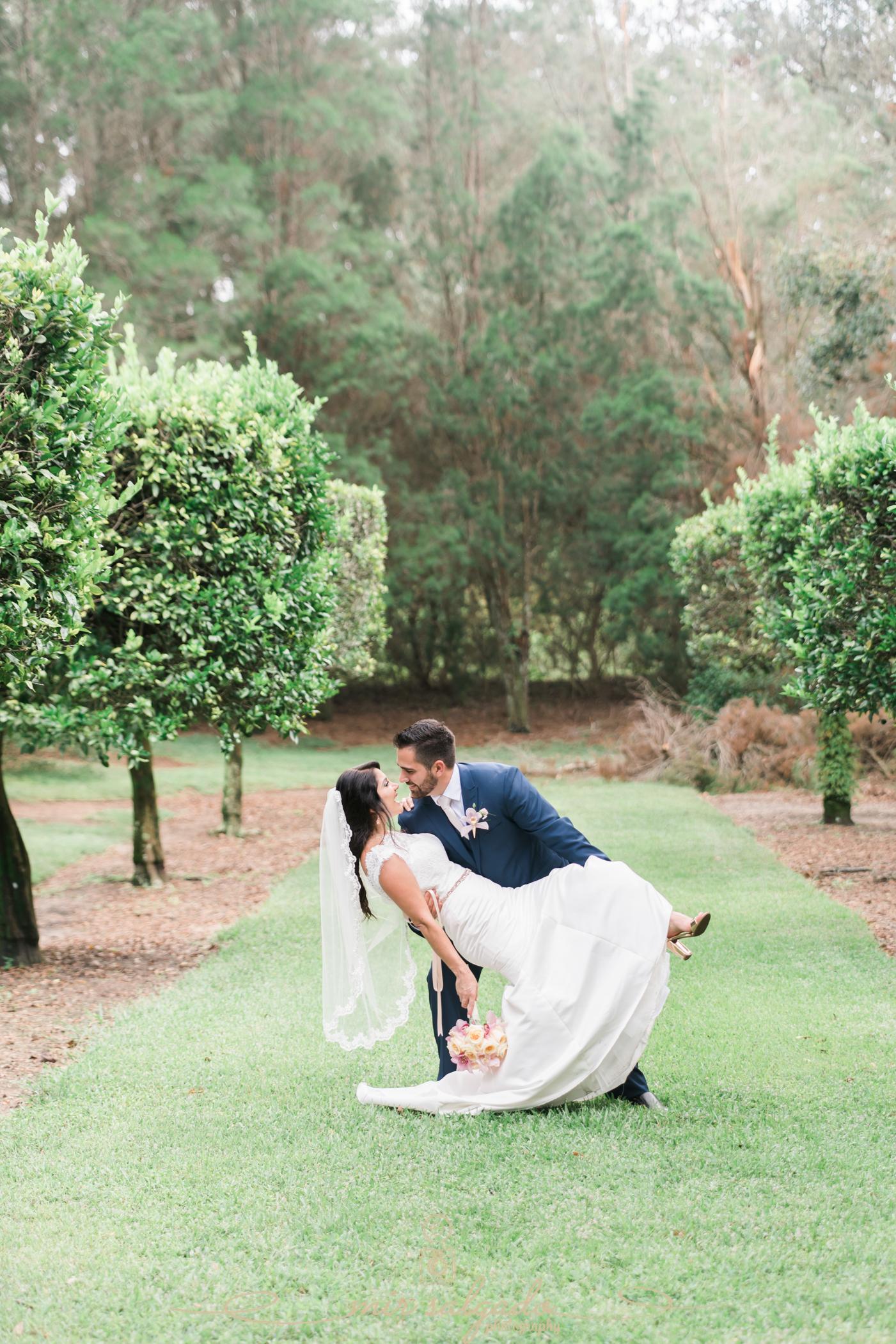 Bok-tower-gardens-wedding-photo, bride-and-groom-wedding-photo, Tampa-wedding-photographer