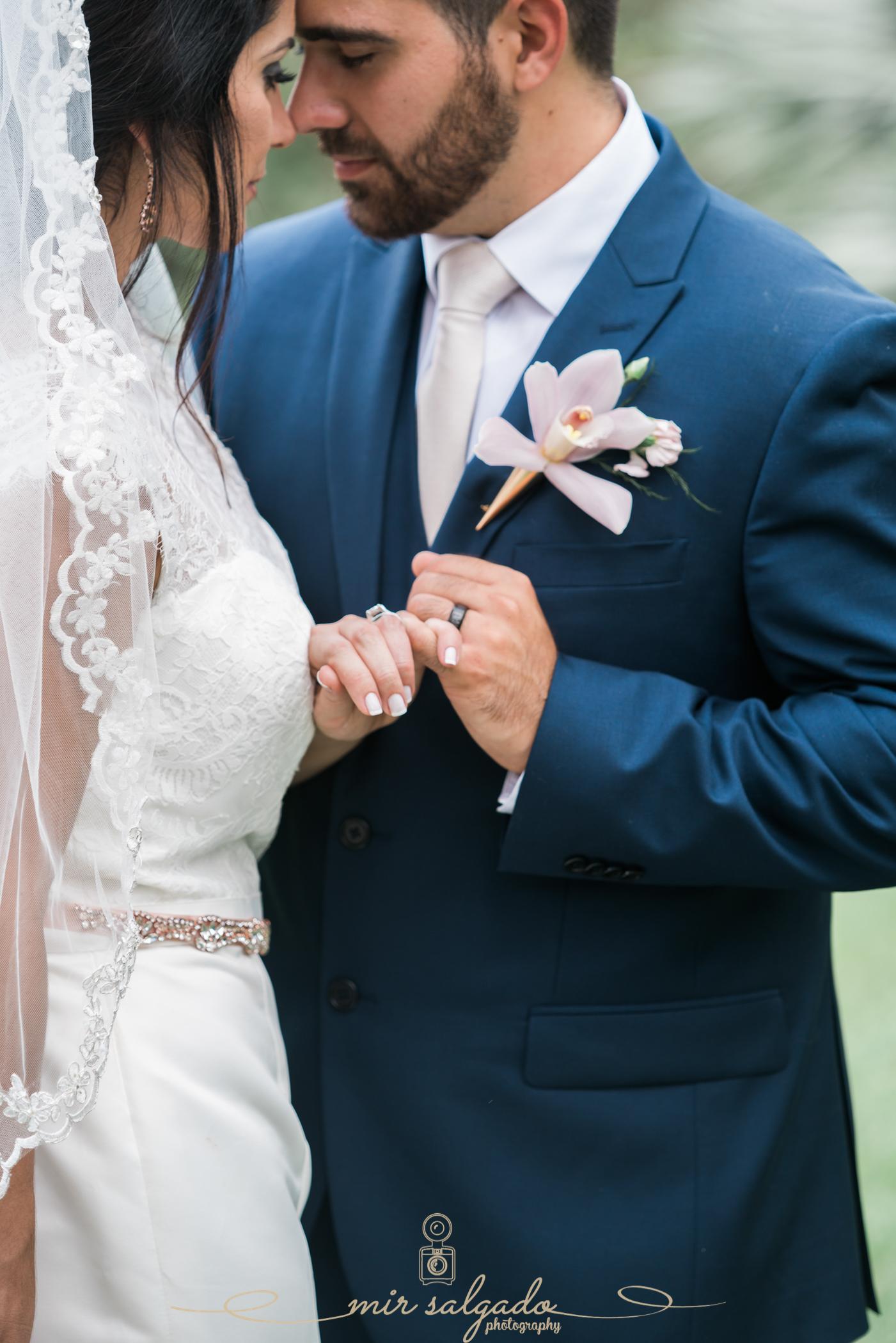 Bride-and-groom-wedding-photo, Florida-garden-wedding-photography, Tampa-wedding