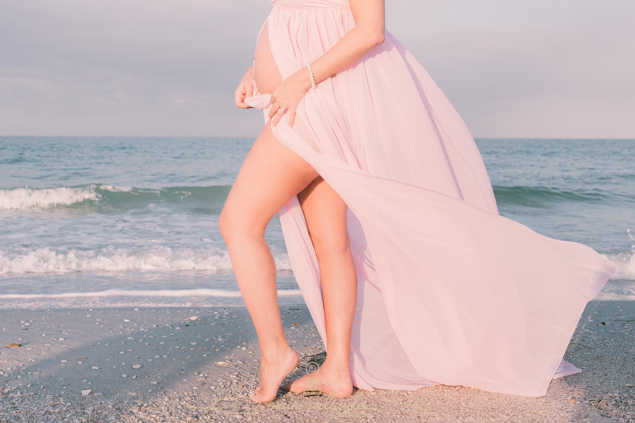 beach-maternity-session, sunrise-maternity-photo