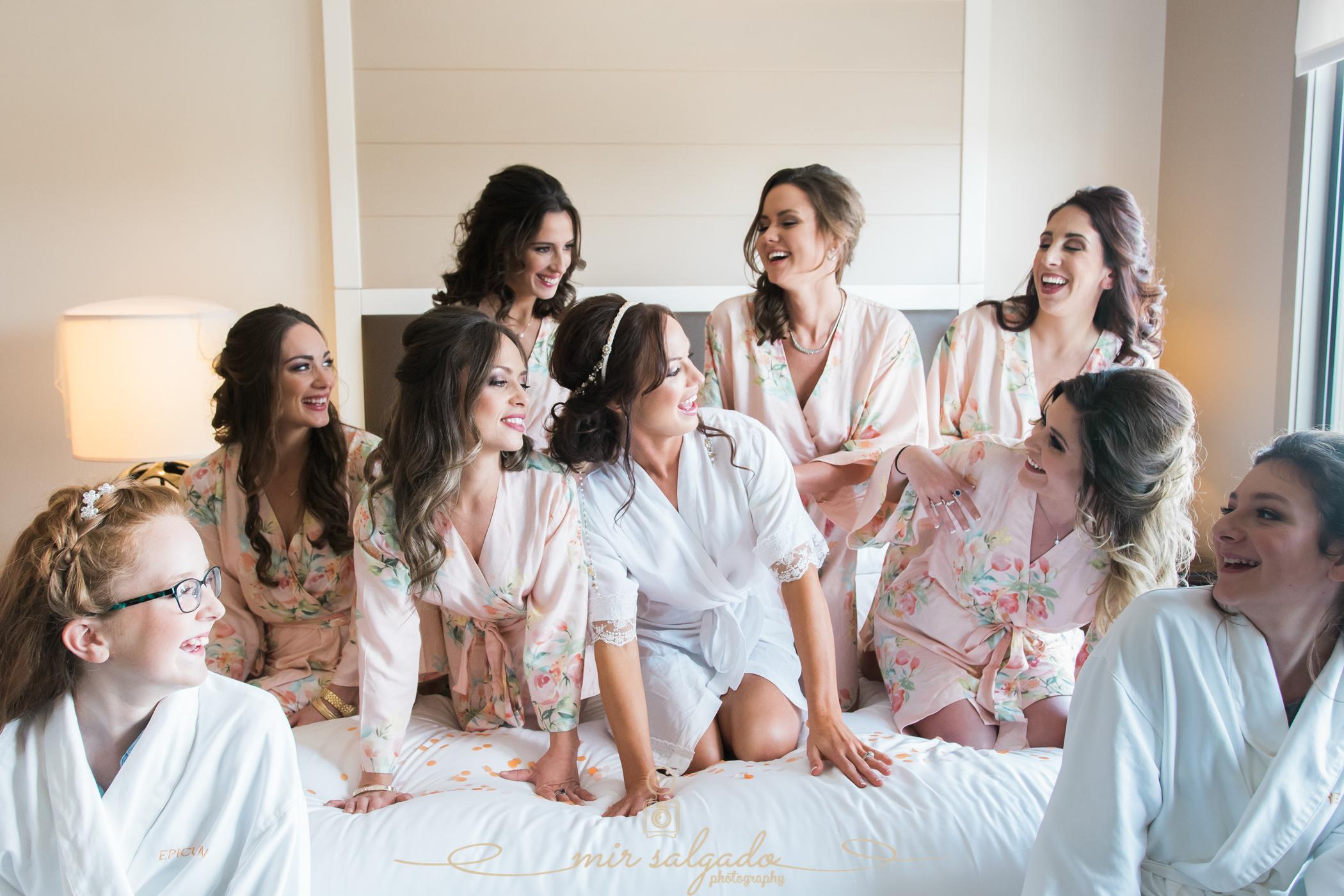 Tampa-wedding-photographer, Tampa-bridesmaids-wedding-photo