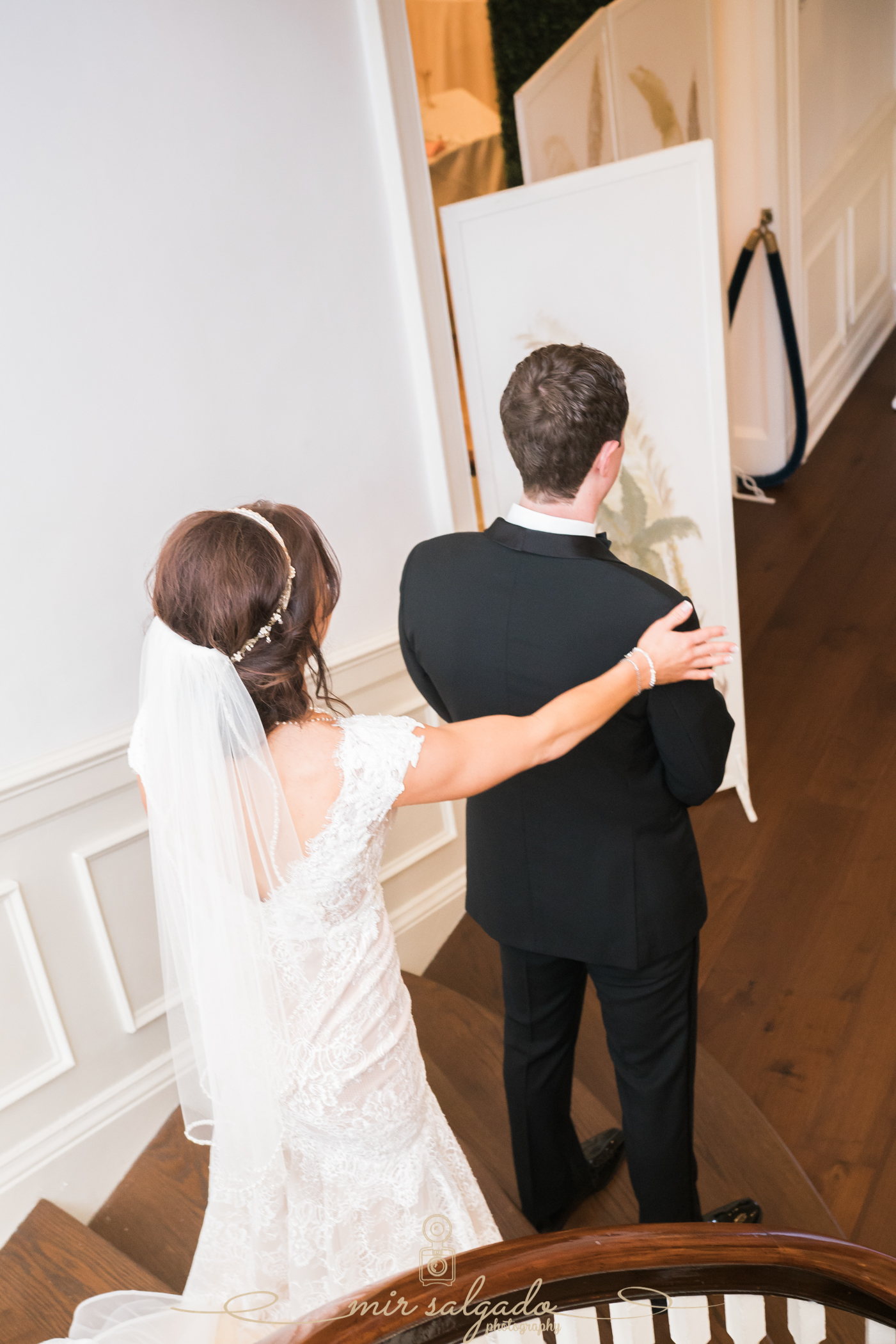 Tampa-wedding-photographer, first-look-photo