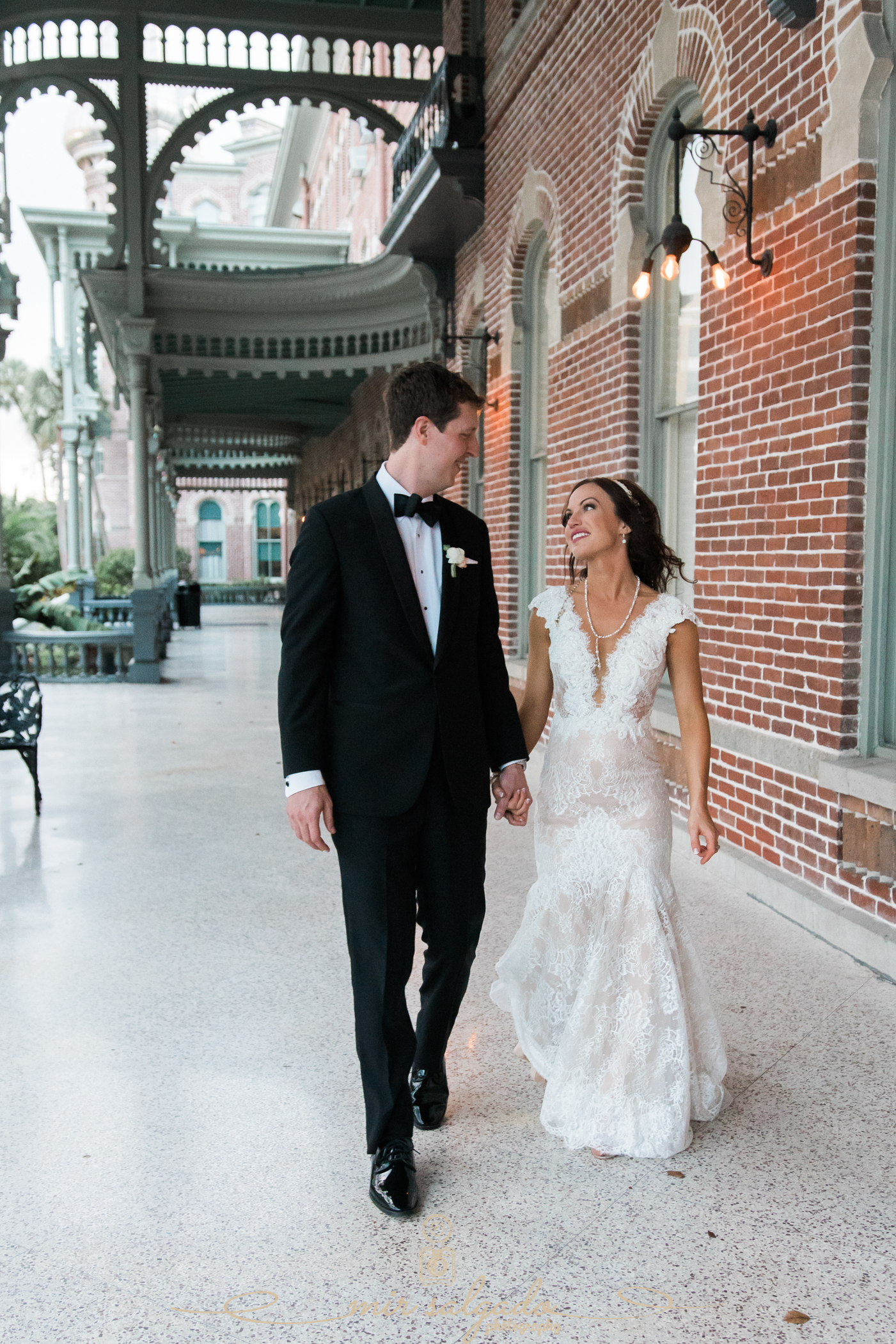 Tampa-wedding-photographer, University-of-Tampa-wedding