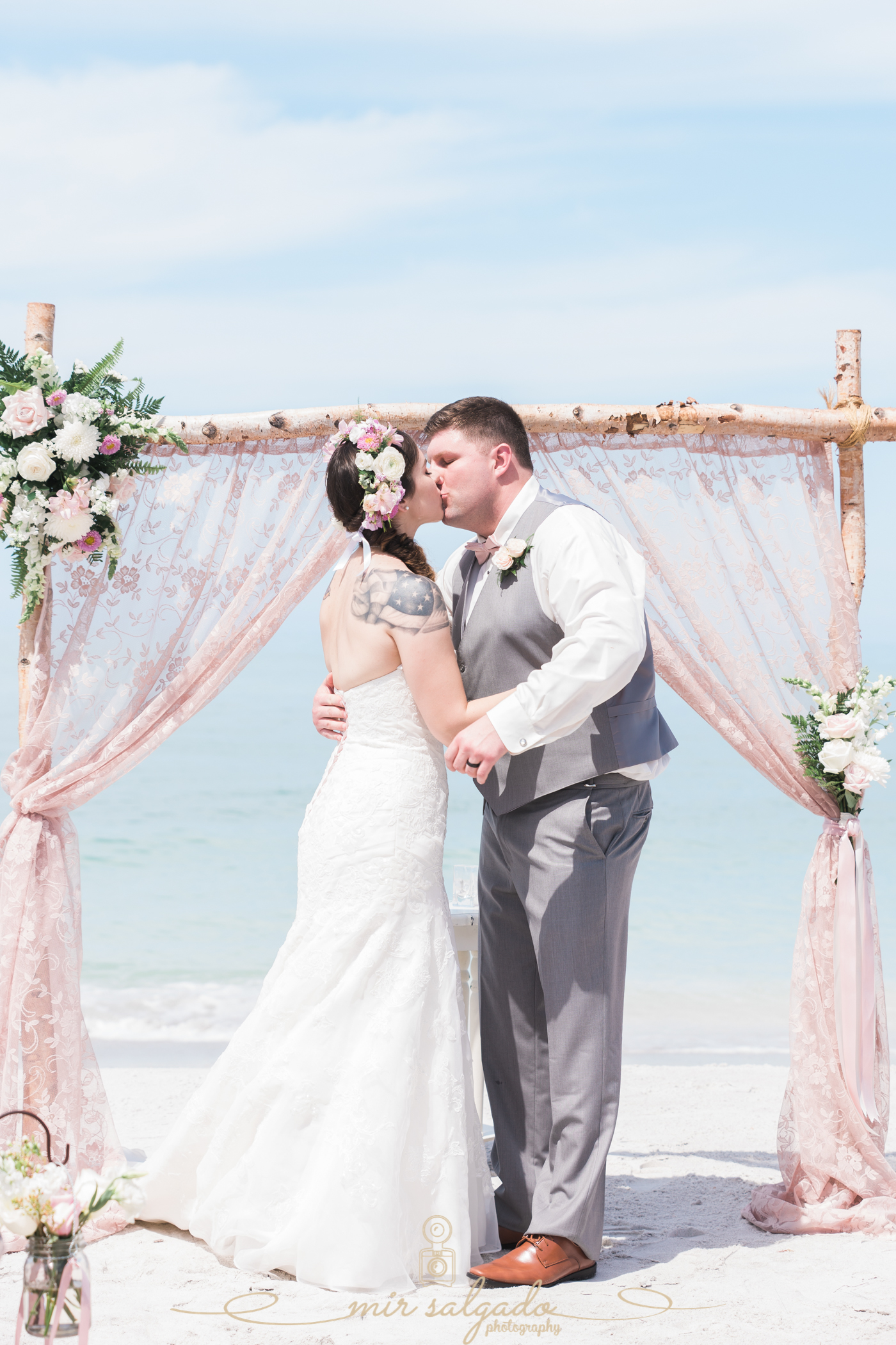 Lido-key-beach-wedding-photo, first-kiss