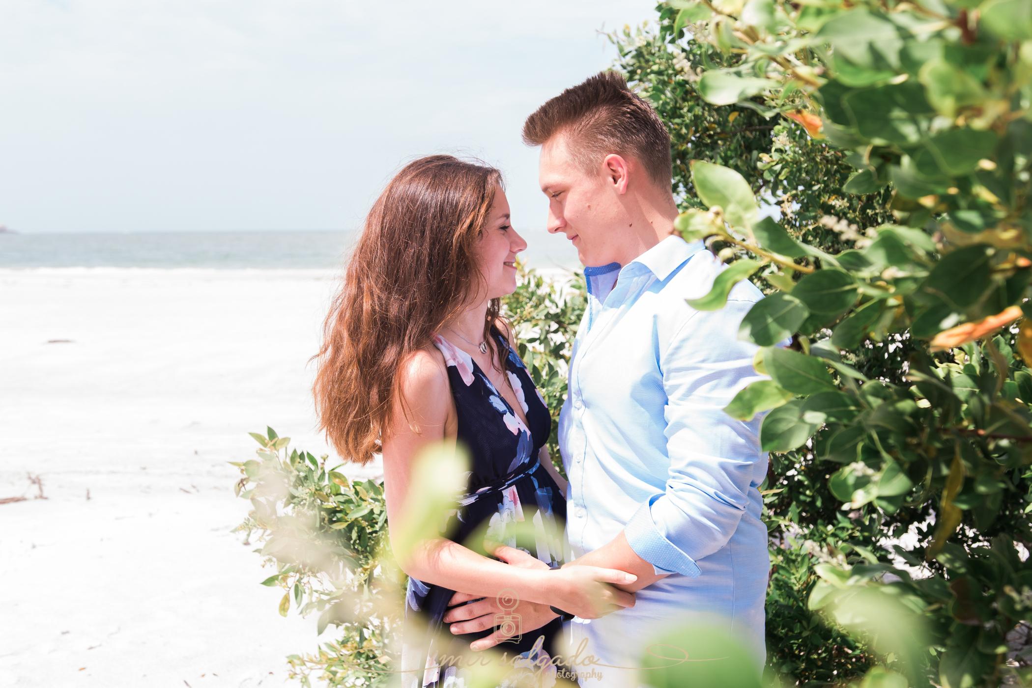 tampa-photographer-couple-session, sarasota-lido-key-beach, couples-portrait-session