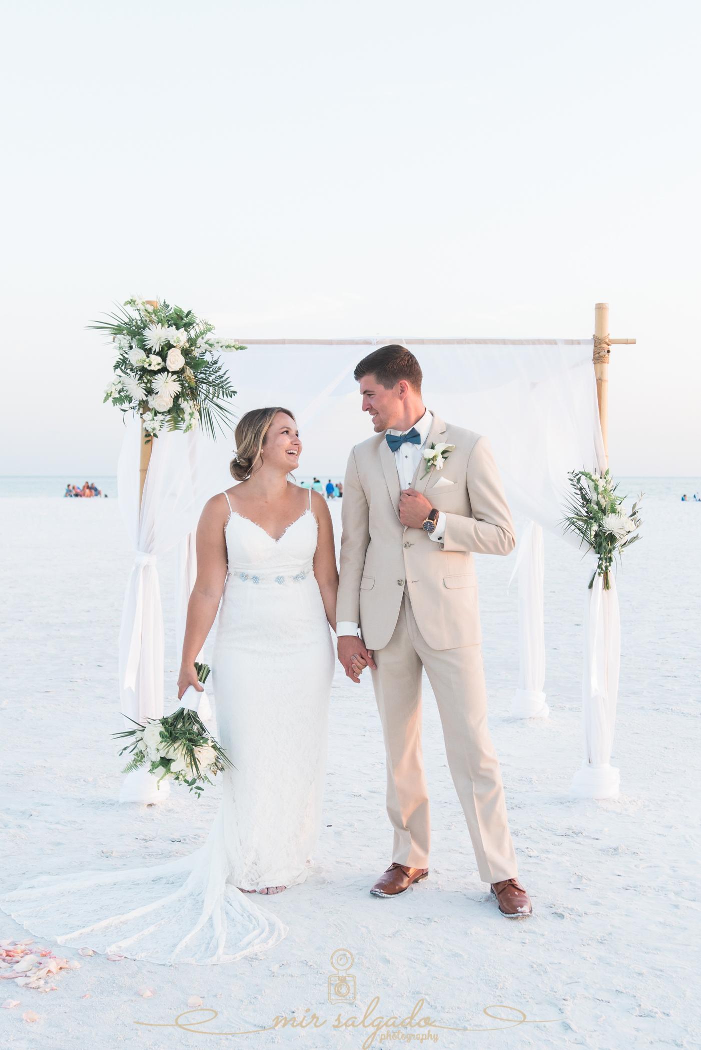 Tampa-wedding-photographer, Tide-the-knot-beach-weddings