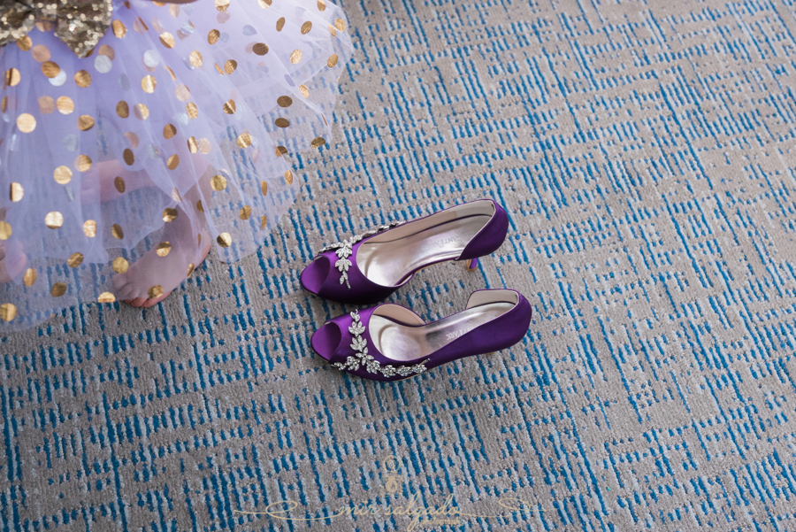 bridal-party-session, bride-shoes, special-day