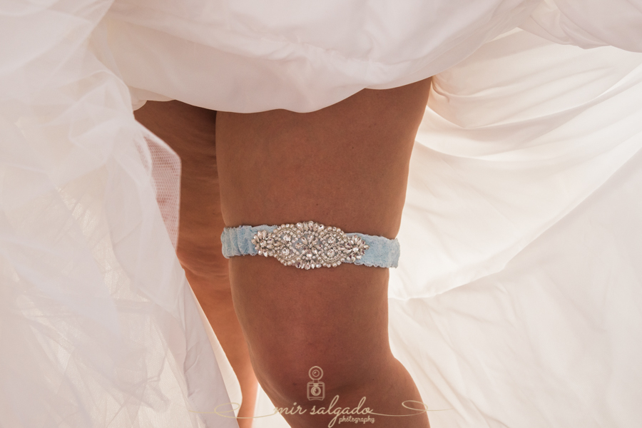 wedding-dress-dressing, final-touches, perfume-time, wedding-garter