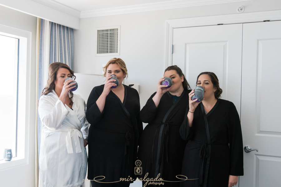 bridal-party-smiles, group-photo, tampa-photographer, custom-made-cups