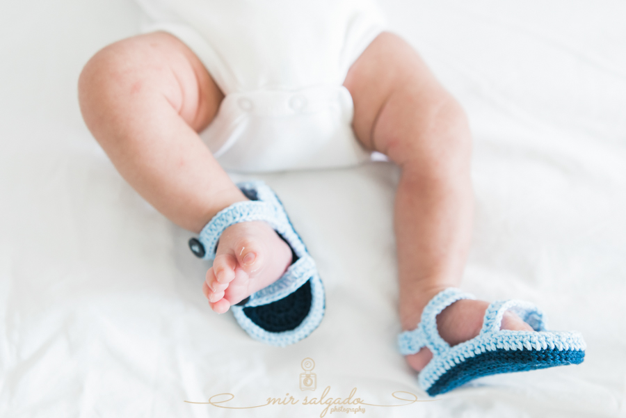 little-foot, tiny-shoe, baby-shoes, new-born-feet