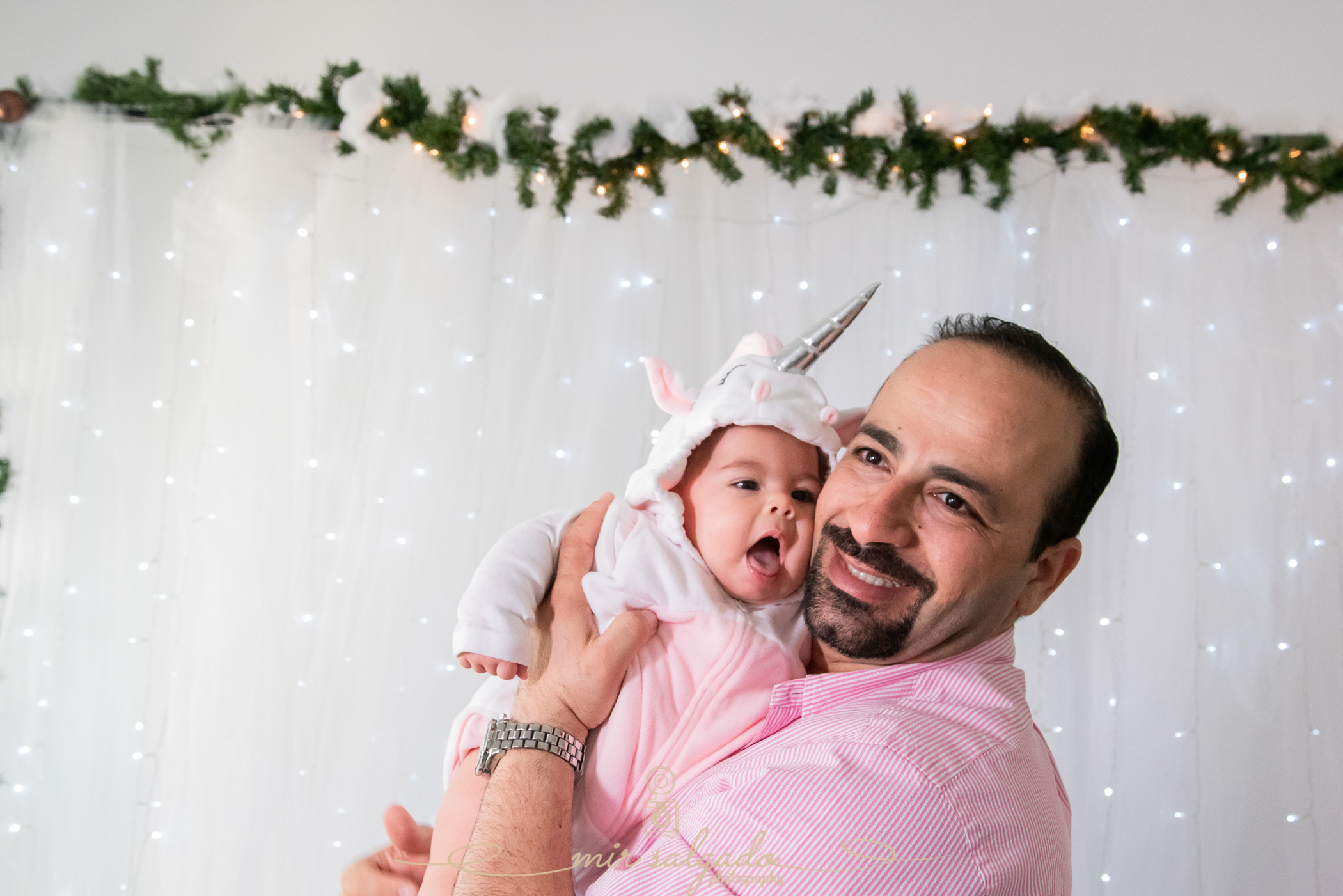 father-and-daughter-christmas-photoshoot, tampa-father-and-daughter-christmas-photos, tampa-christmas-family-pictures, tampa-baby-christmas-photographer
