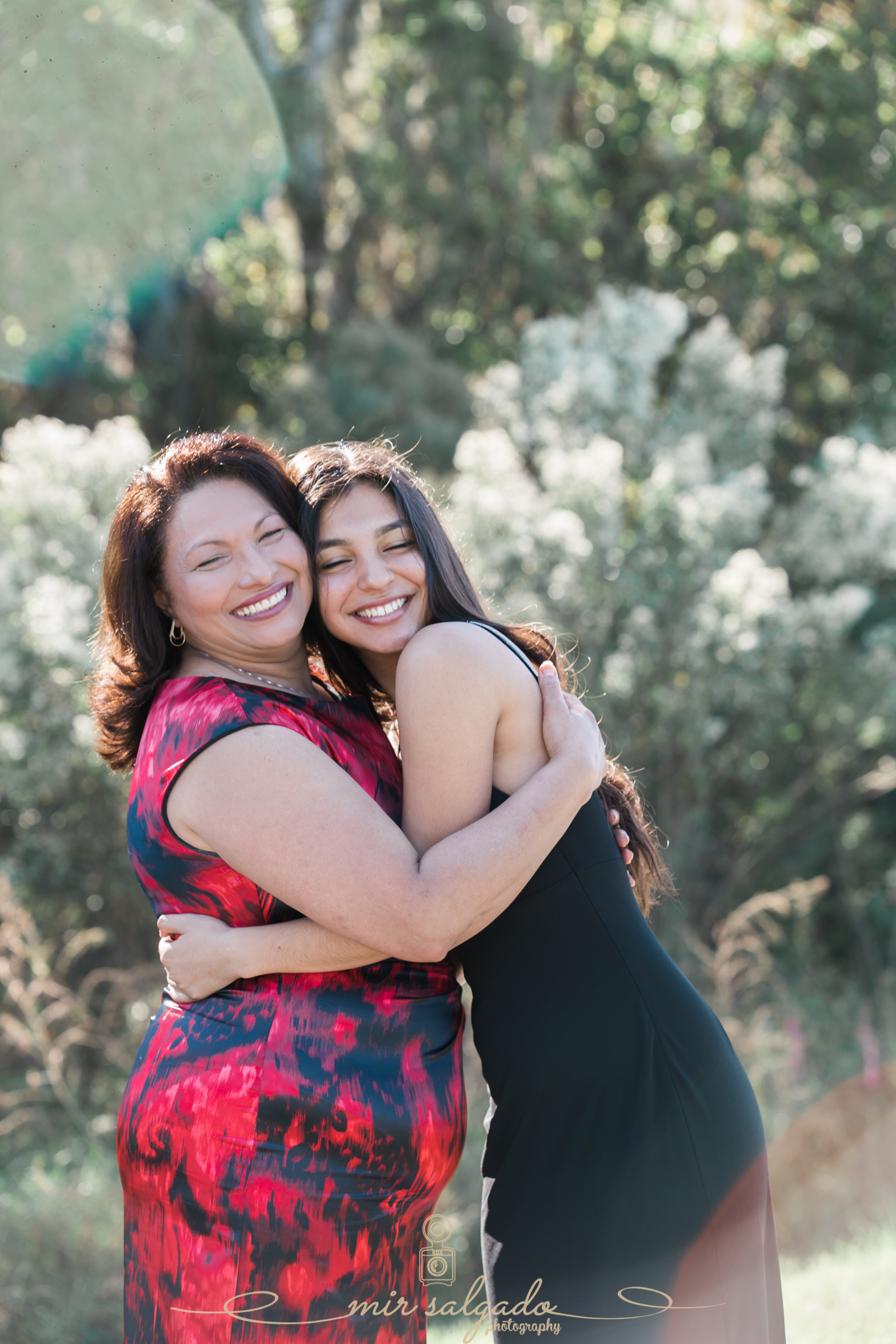 mother-and-daughter-christmas-photoshoots, tampa-mother-and-daughter-photos, tampa-christmas-family-photographer, tampa-christmas-photographer