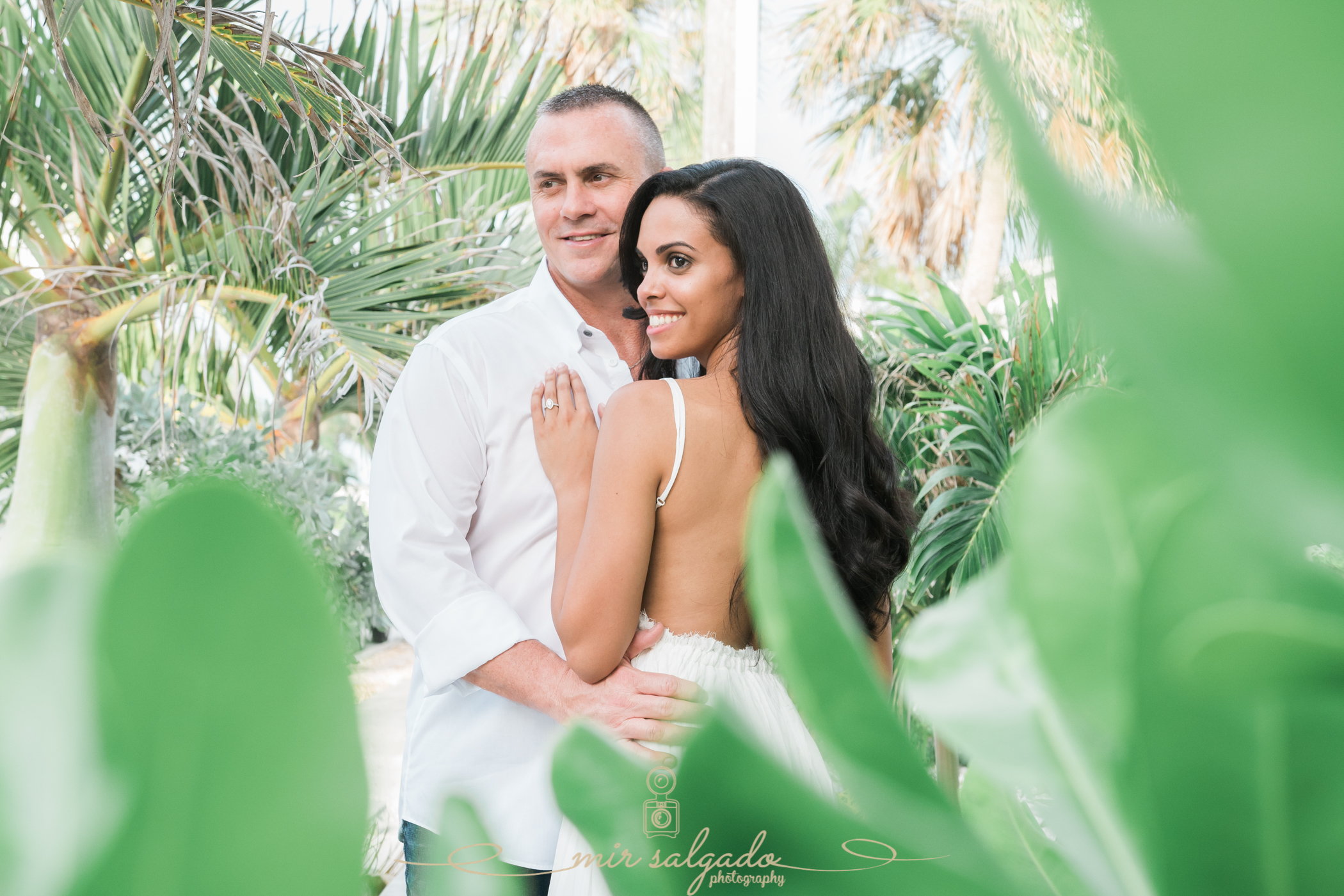 tampa-nature-engagement-photoshoot, color-coordinated-engagement-photos, tampa-wedding-photographer
