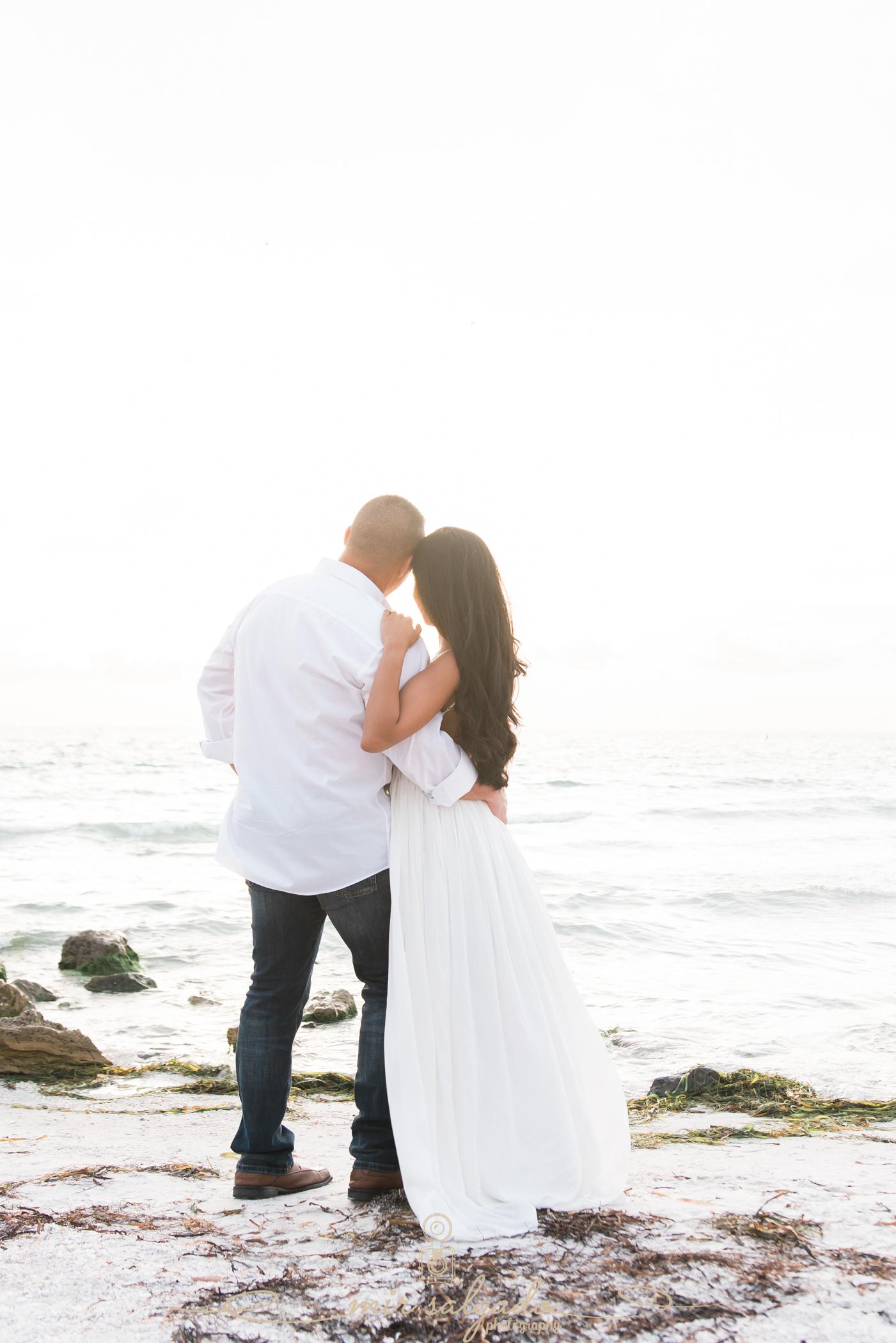 beach-engagement-photoshooot, tampa-beach-engagement-photographer, tampa-wedding-photgrapher
