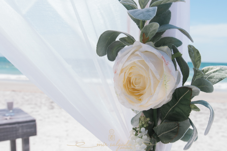 Set-up, beach-wedding-decoration, Florida-beach-wedding-idea