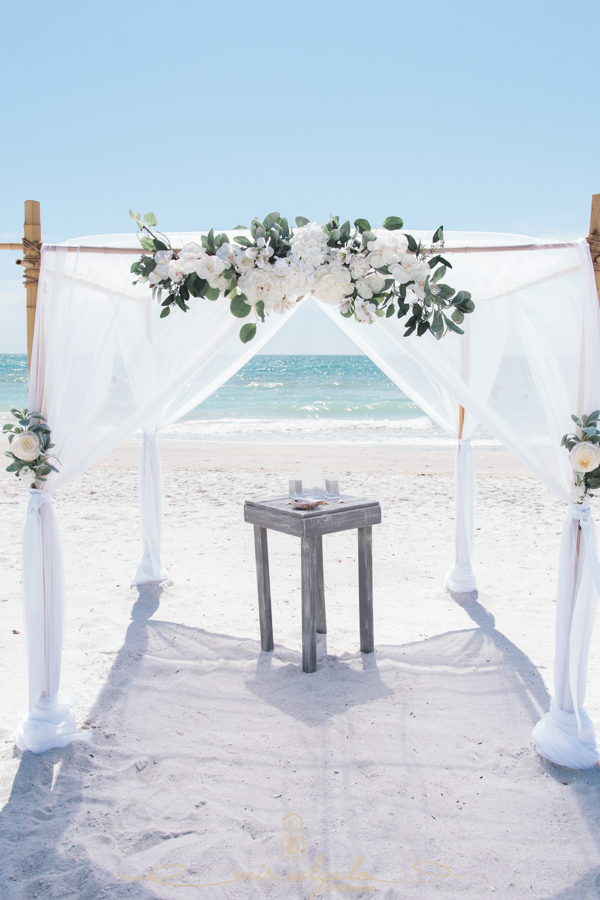 Florida-beach-wedding-set-up, Florida-beach-wedding-planner