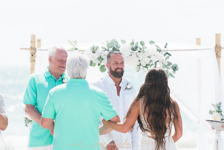 beach-wedding-ceremony-tide-the-knot, Tampa-wedding-photographer