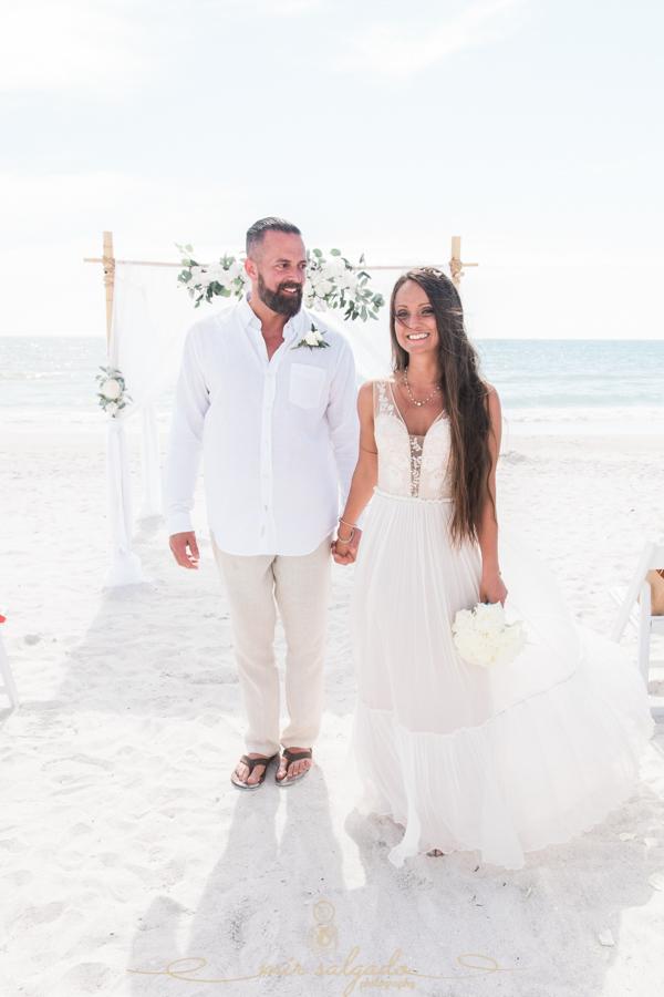 St.Pete-wedding, St.Pete-wedding-photographer, bride-and-groom