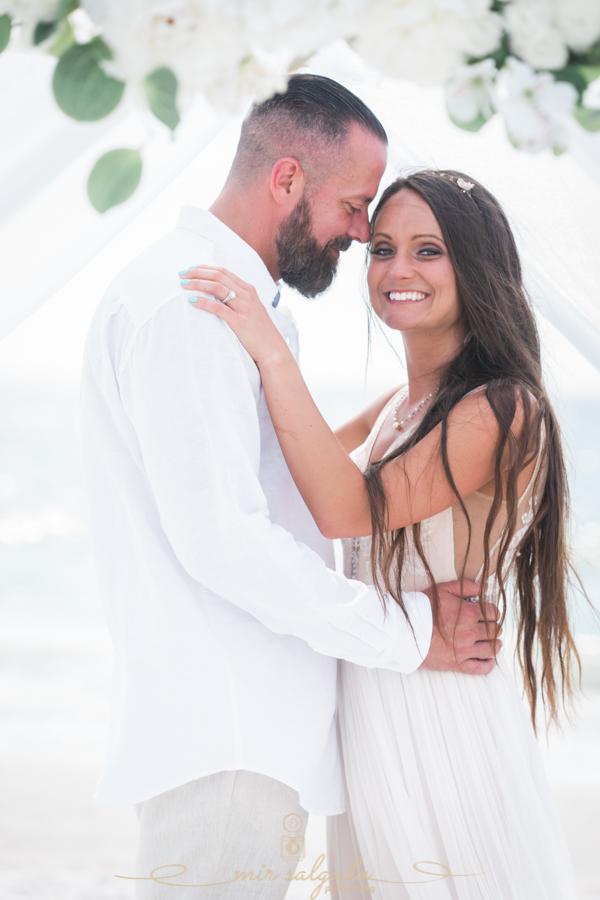 Bride-and-groom, beach-wedding-photo, Florida-photographer