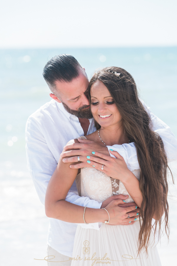 St.Pete-beach-wedding, bride-and-groom-photo, Florida-photographer