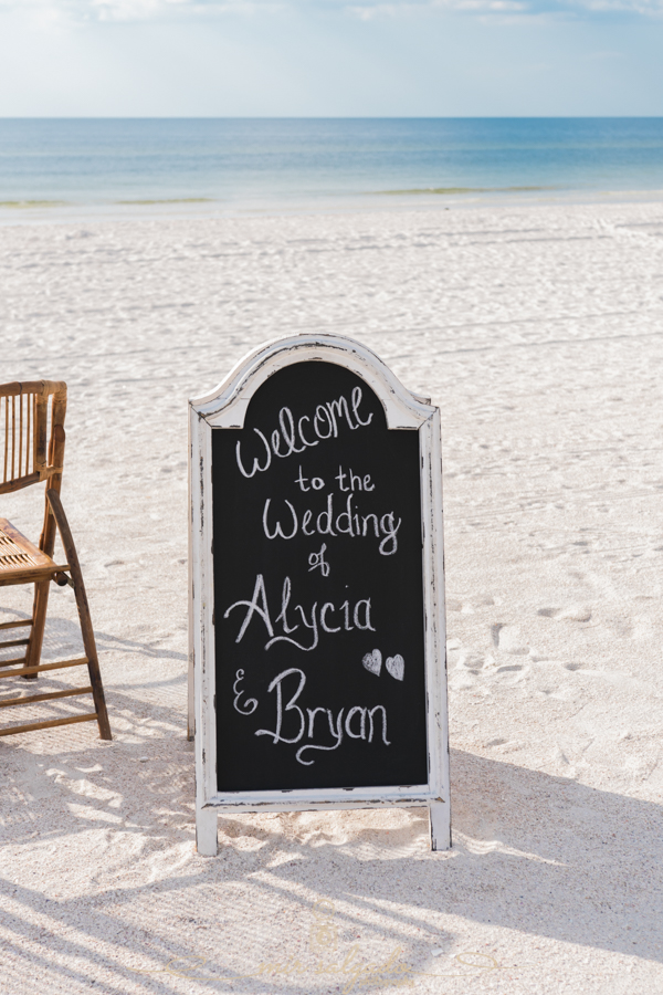 Sign, wedding-sign, Pass-a-grille-wedding, Tampa-wedding-photorapher