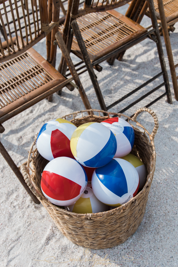 beach-balls, wedding-at-the-beach