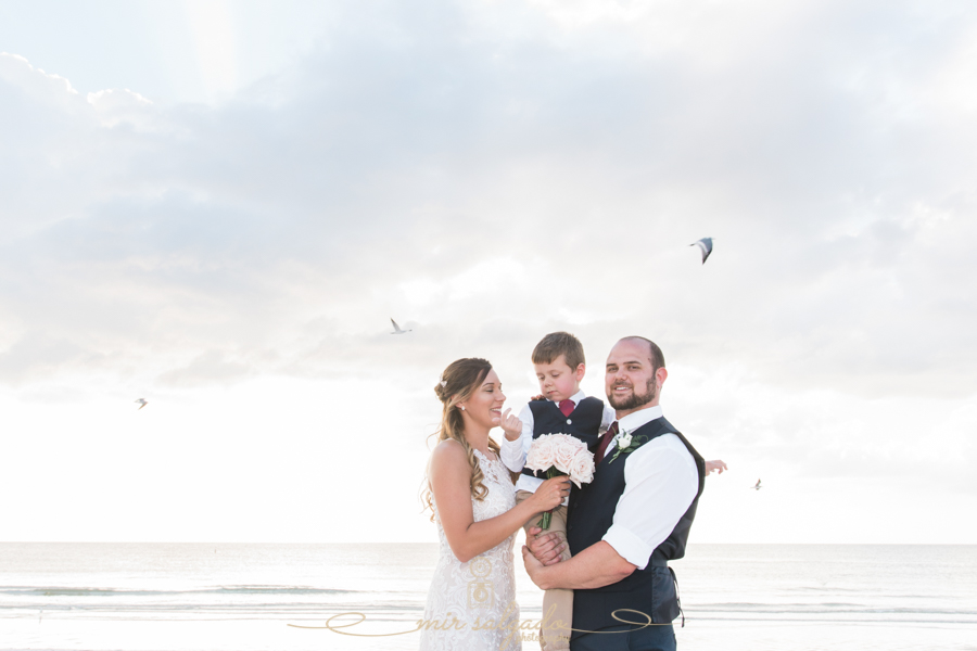 St.Pete-beach-wedding-photo, family-photo-at-the-beach, Florida-wedding