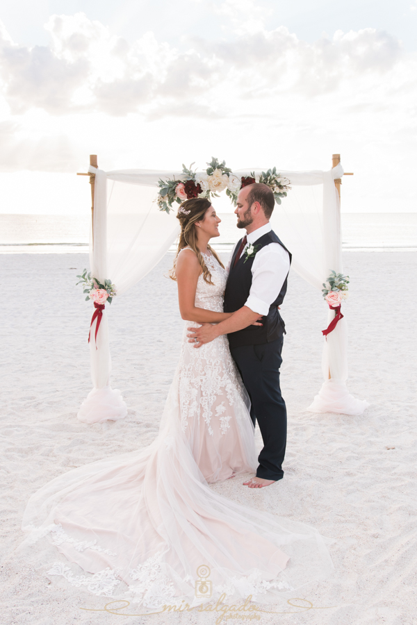 Tide-the-knot-beach-weddings, Beach-wedding-photo