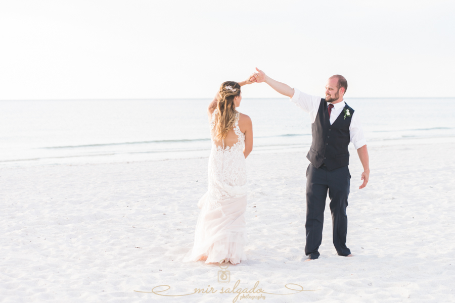 St.Pete-beach-wedding, Beach-wedding-photographer, Tapa-wedings