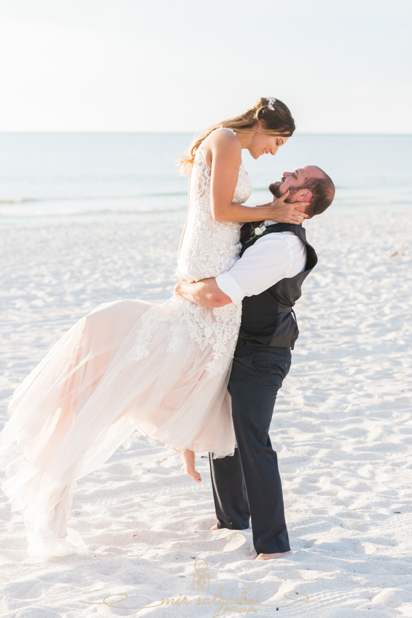 St.Pete-wedding-photographer, bride-and-groom-photo, Tampa-bride-and-groom