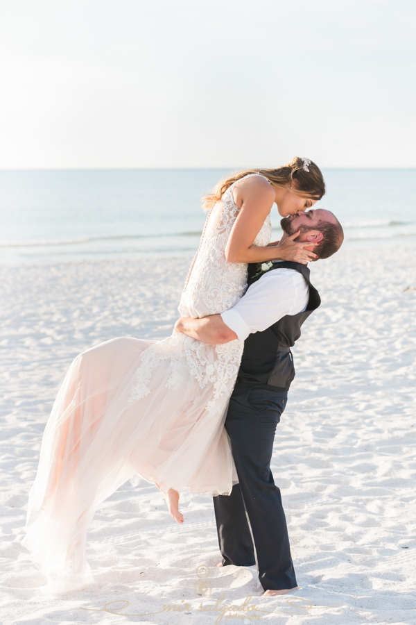 Bride-and-groom-photo, romantic-wedding-at-the-beach, Florida-beach-wedding