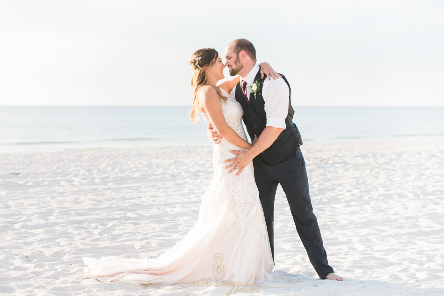 St.Pete-beach-wedding-photo, Tide-the-knot-weddings