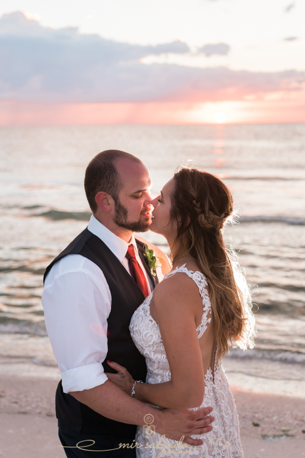St.Pete-wedding-photo, Beach-wedding-photo, sunset-beach-wedding