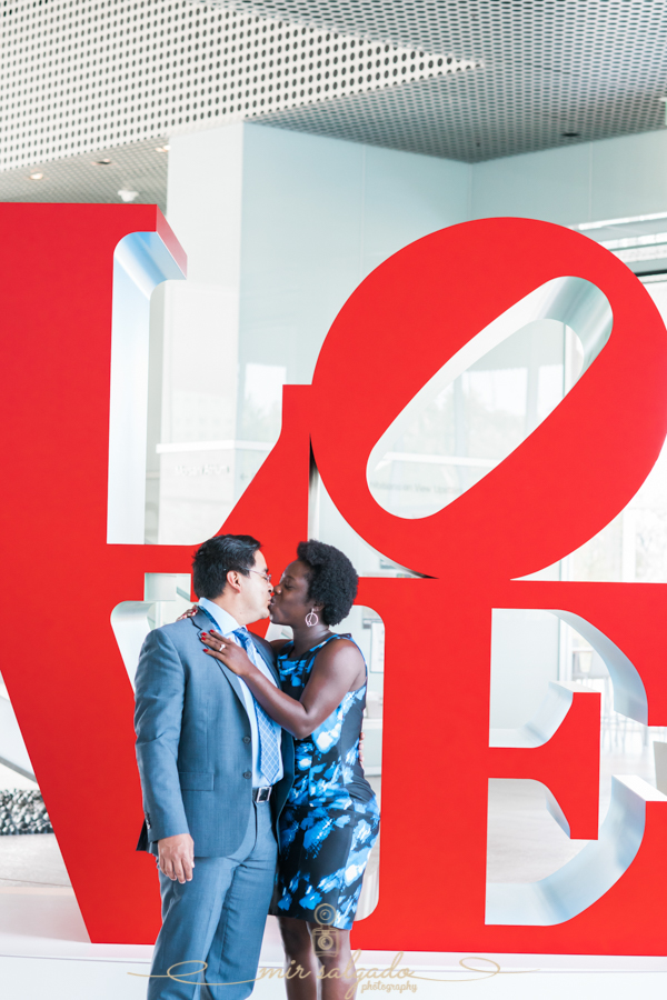 Tampa-Museum-of-Arts, Tampa-engagement-photo, LOVE-photo