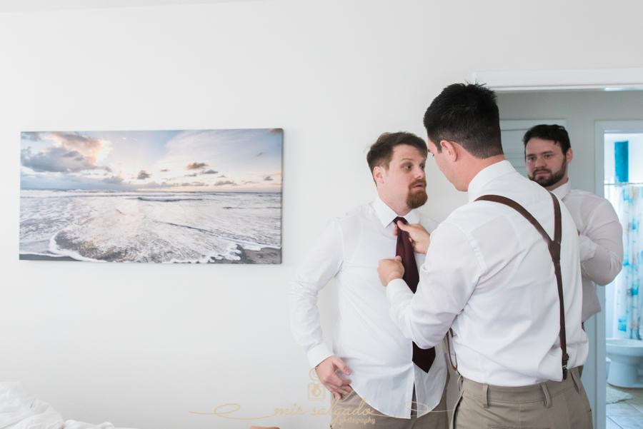 groom-getting-ready-photo, Tampa-wedding-photographer