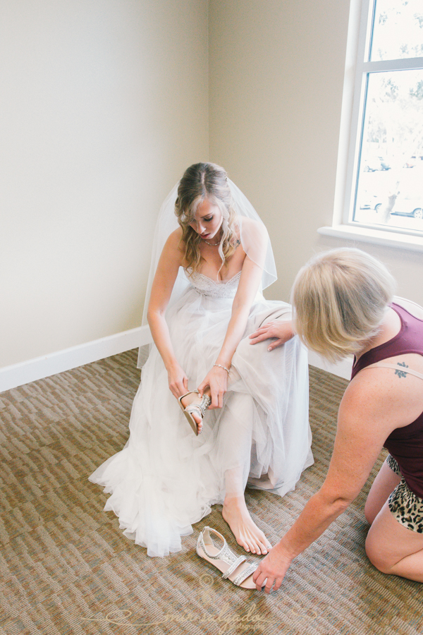 Bradenton-wedding-photographer, bride-getting-ready