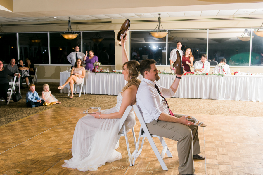 wedding-shoe-game, wedding-photographer, Tampa-wedding