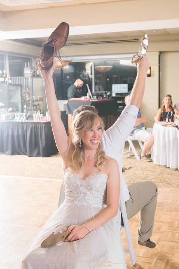 shoe-game, wedding-shoe-game, wedding-photography