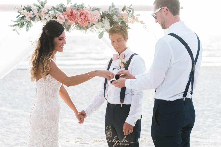 Florida-beach-wedding-ceremony