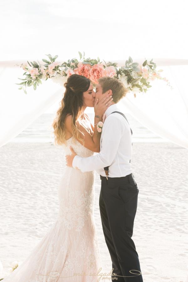 St.Pete-beach-wedding-photographer, first-kiss