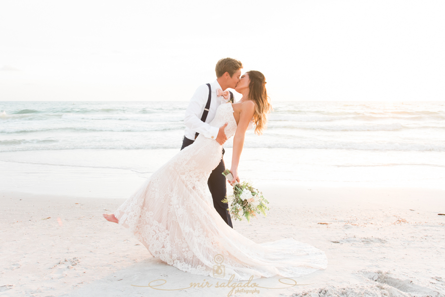 Tampa-wedding-photographer, Florida-beach-wedding-photo