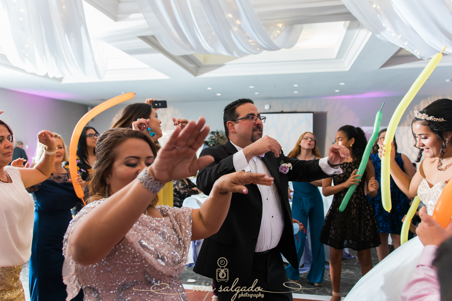 How To Photograph a Quinceañera | Photography Tips