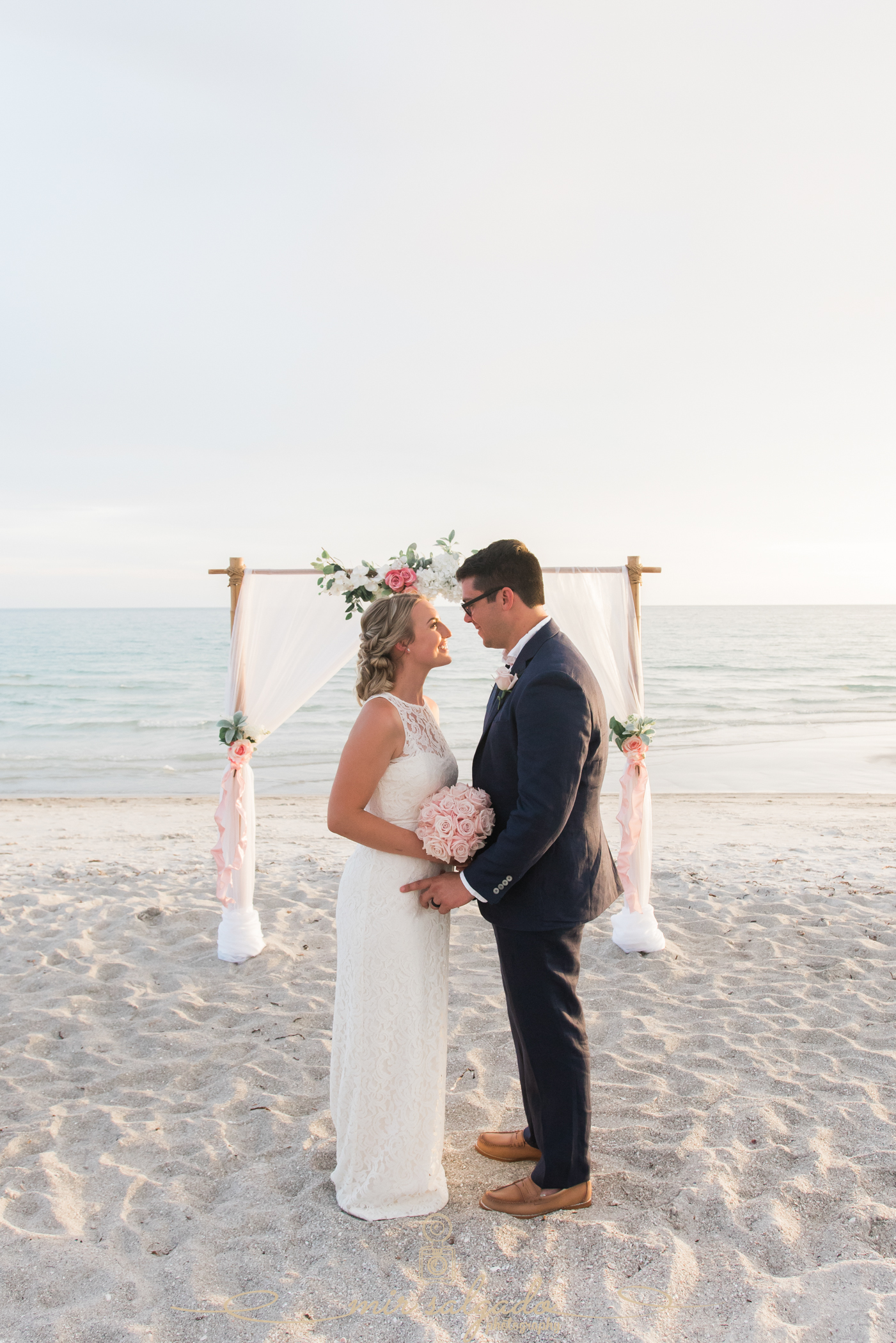 wedding-ceremony, wedding-vows, beach-wedding-ceremony, beach-resort-wedding-ceremony