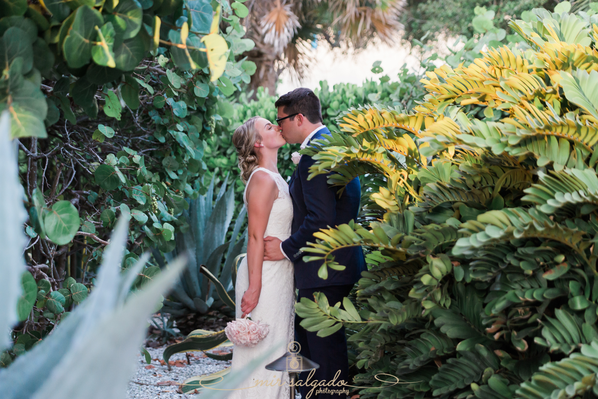 garden-backdrop, unique-wedding-backdrops, plant, wedding-portraits, outdoor-wedding-photography