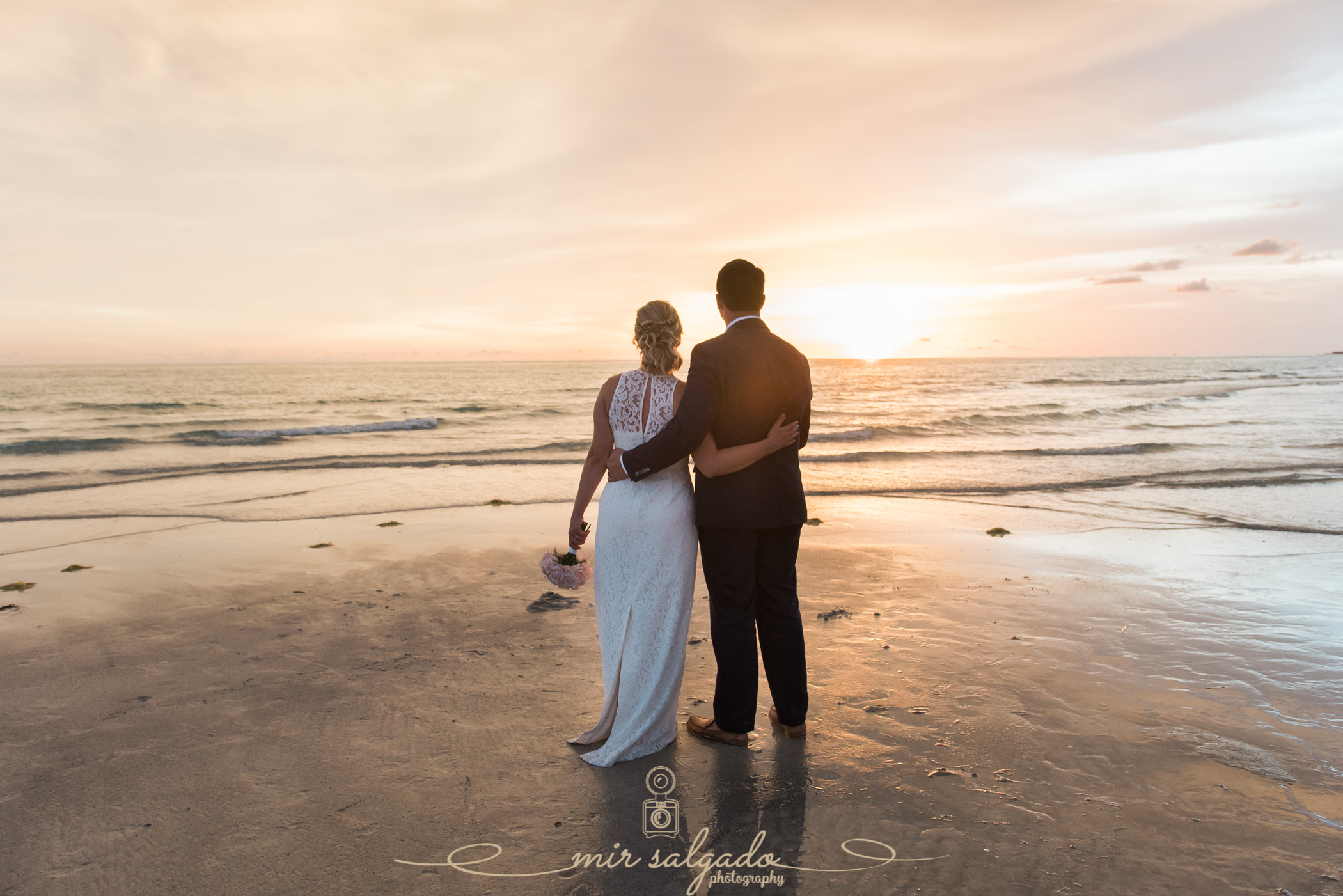 sunset-wedding-portrait, sunset-wedding-pictures, sunset-bride-and-groom, beach-sunset-photography, stunning-sunset-photography