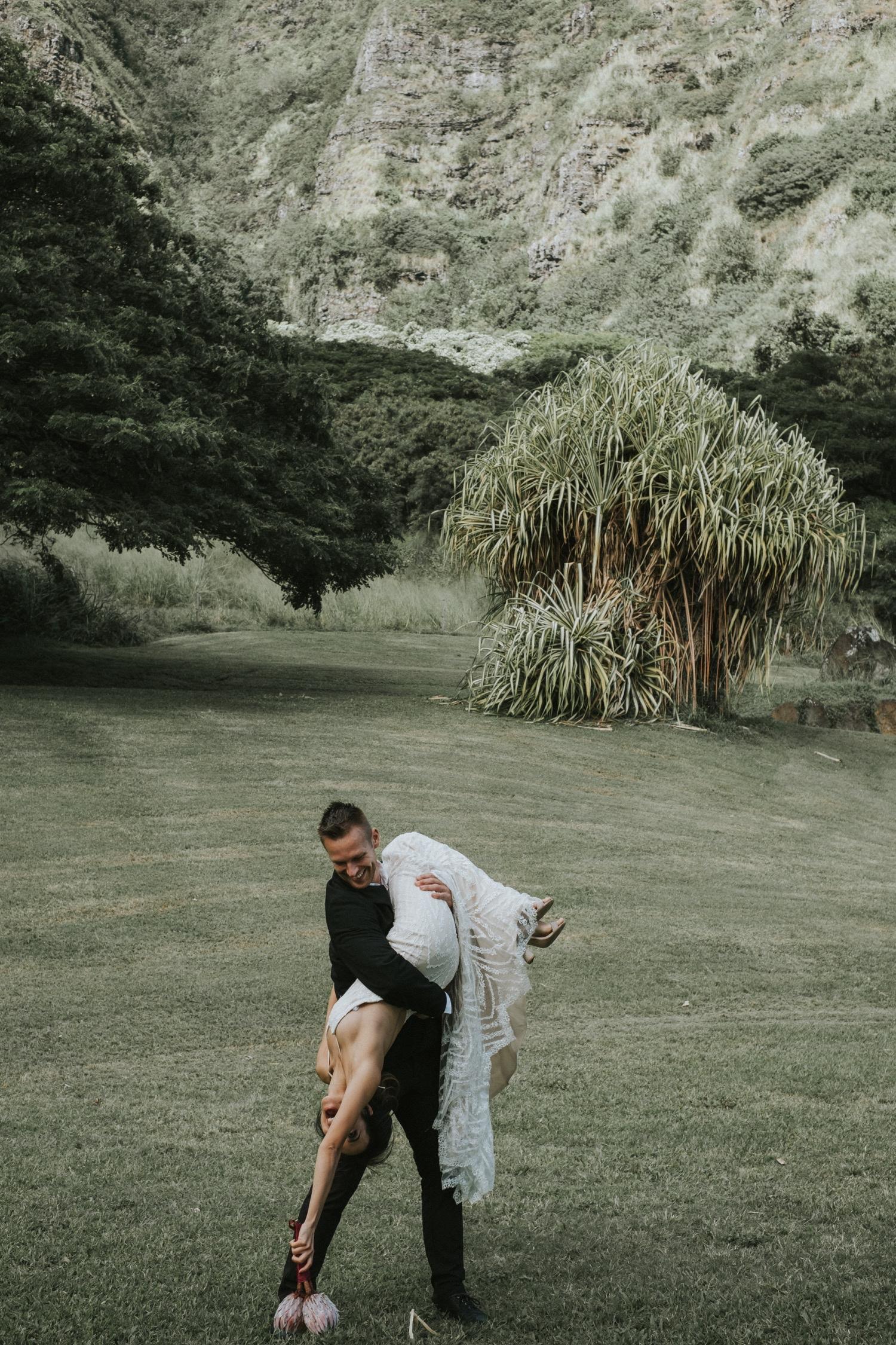 kualoa ranch, wedding at kualoa ranch, kualoa ranch wedding photographer, oahu wedding photographer, elopement at kualoa ranch, jurassic park wedding, destination wedding photographer, oahu elopement