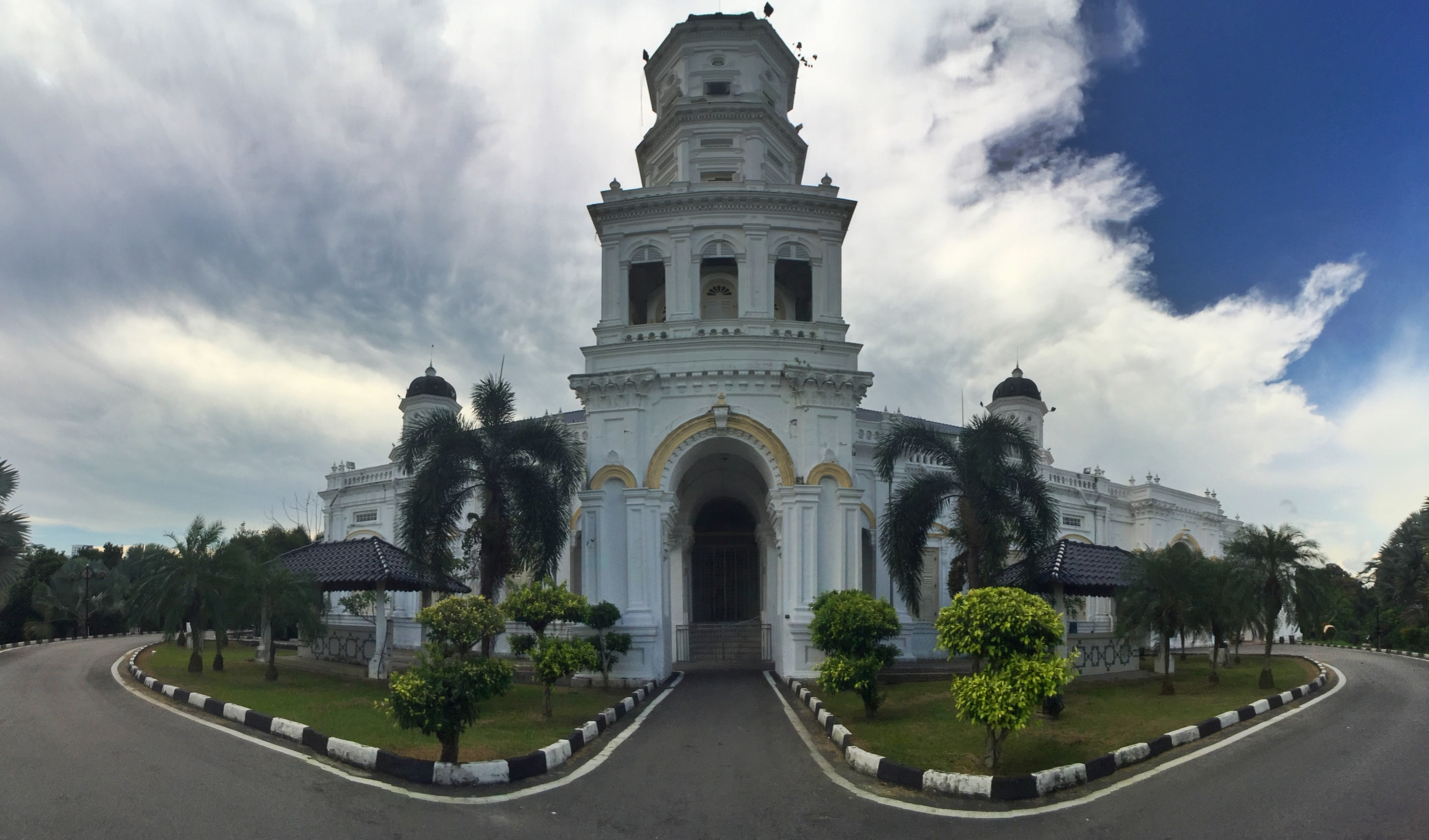 The Sultan Abu Bakar Mosque