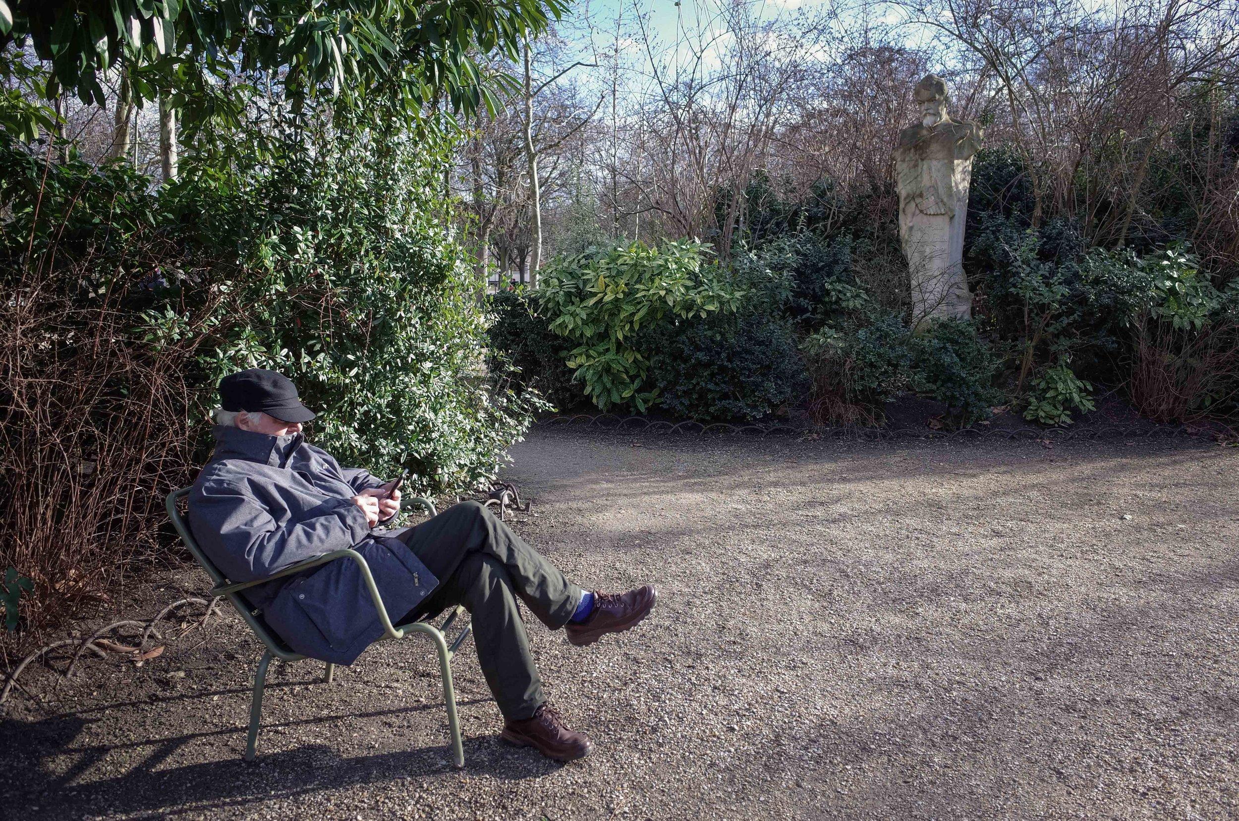 No breaks allowed!(Le Jardin du Luxembourg)