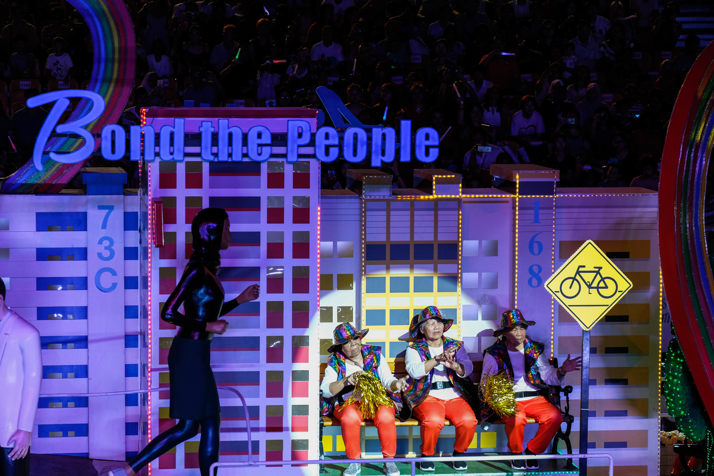 The participants in the parade seemed to be made up mostly of young people and all the aunties in Singapore. Even the elderly were roped in. They looked about as elated as people who had just checked their Toto draw results and didn't win anything.